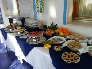 buffet-colazione-nido-colorato-b-&-b-fontane-bianche-siracusa