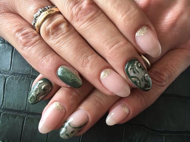 Decori su unghie