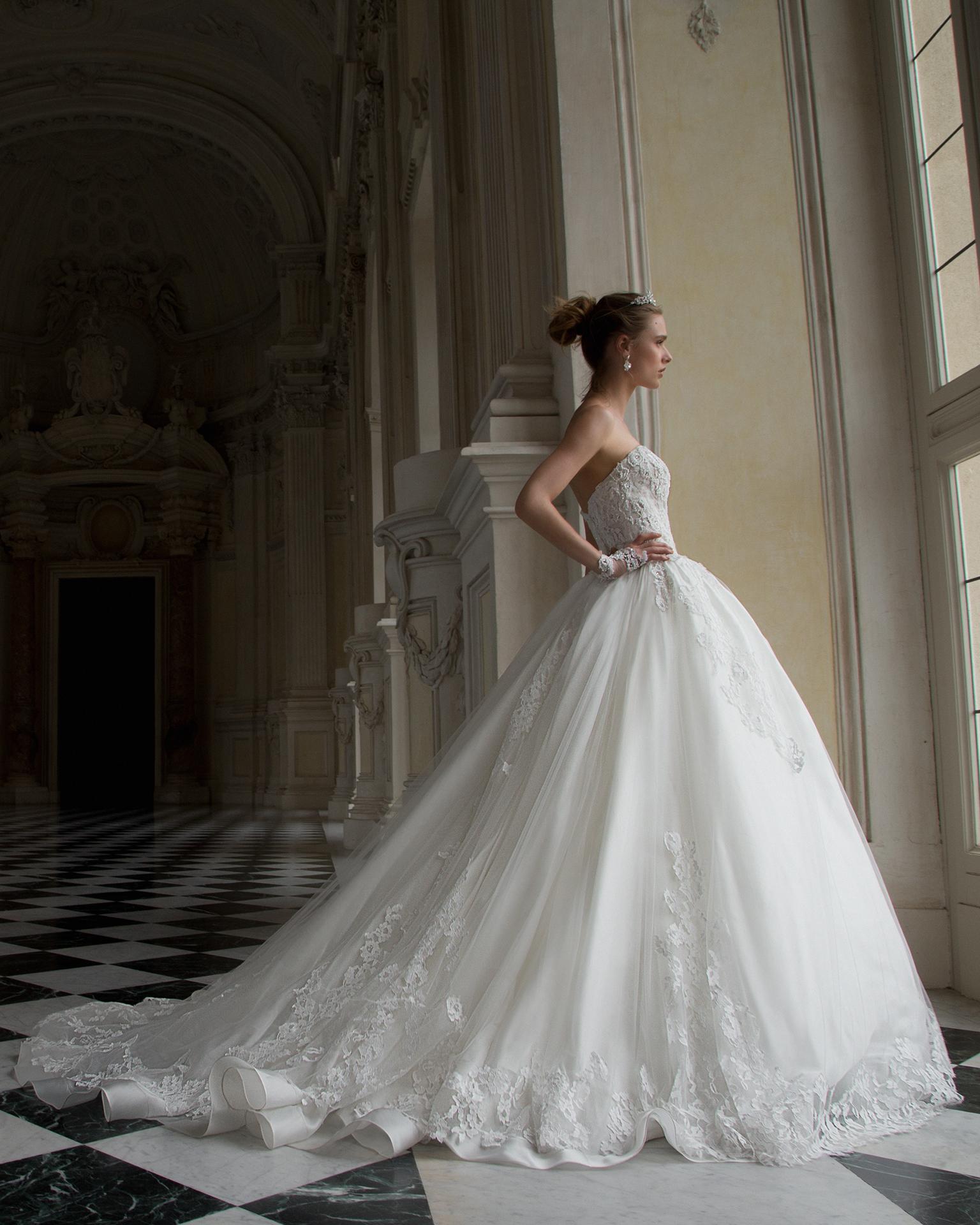 Magazzini d amico abiti da sposa 2018 – Vestiti da cerimonia 8d9b93583035