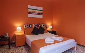 room-orange-b-&-b-le-saline-siracusa